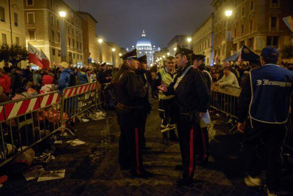El Vaticano fue blindado. Cientos de policías fueron apostados en calles...