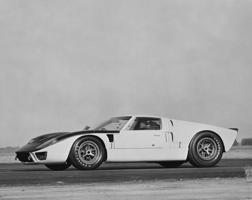 Ford v. Ferrari: La enemistad que creó una leyenda 1966-Ford-GT-MkII-FIA...