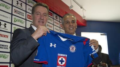 El entrenador tiene en mente el título con Cruz Azul