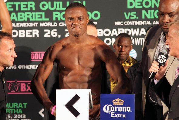 El campeón 'Kid Chocolate' marcó 159.25 libras.