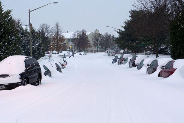 Los suburbios de Manassas quedaron atrapados por la nieve.