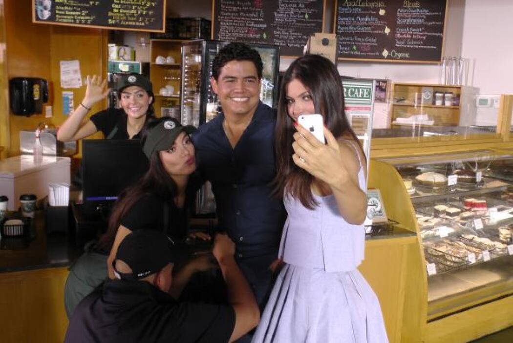 La 'selfie' del recuerdo no podía faltar. ¡Todos sonriendo para la cámara!