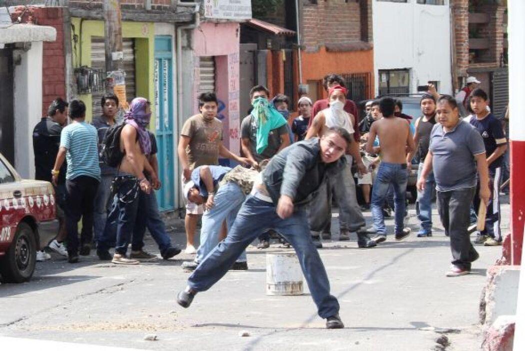 De los 42 policías lesionados, 18 requirieron traslado a hospitales, 4 a...