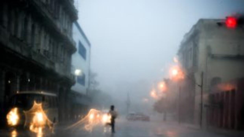 Fuertes lluvias y tormentas eléctricas afectaron el sábado la zona occid...