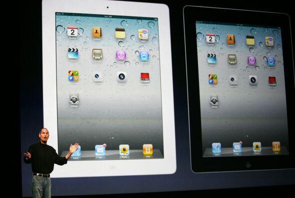 Apple aumentó sus ganancias 70%, a 14.000 millones y sus ingresos 52%, a...
