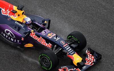 Tormentas no apagan pasión de la F1