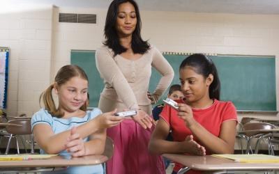 ¿Es bueno llevar tecnología a la escuela?
