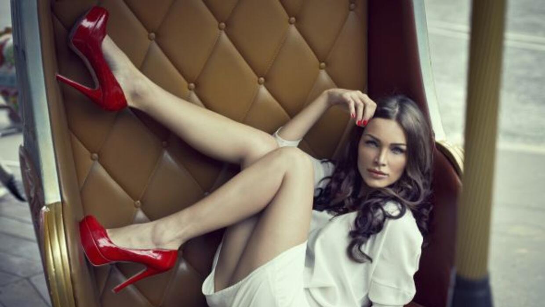 Un estudio realizado en París halló que las mujeres que usan tacones alt...