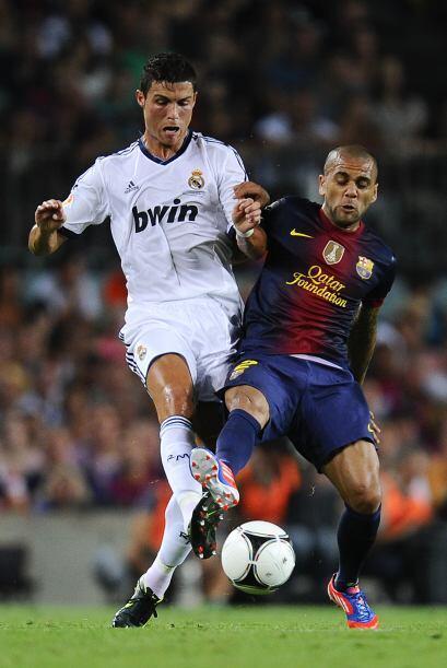 Sólo que un error del portero Víctor Valdés sirvió para que Angel Di Mar...