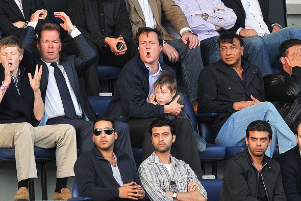 En un partido de la Liga Premier nos encontramos al Primer Ministro ingl...
