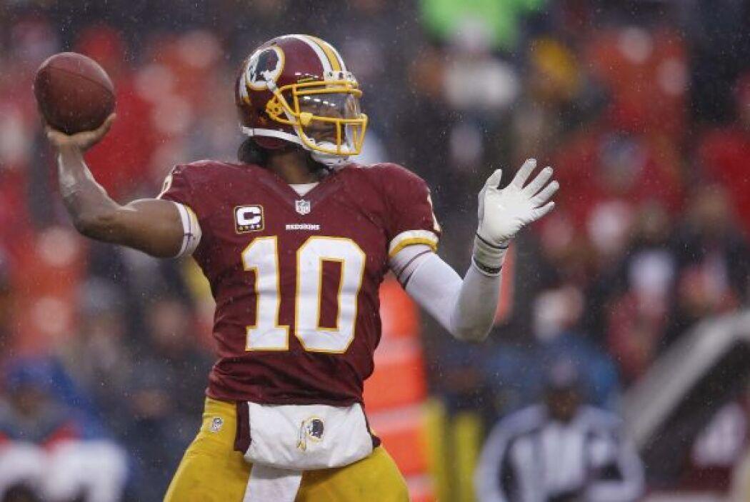 N°17 RG3 con su #10 de los Washington Redskins (AP-NFL).