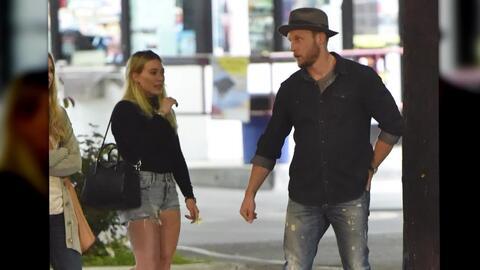 Hilary Duff y Jason Walsh incitan rumores de romance
