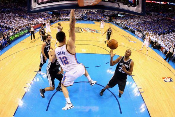 Westbrook empató su más alto puntaje que ha tenido en su carrera al juga...