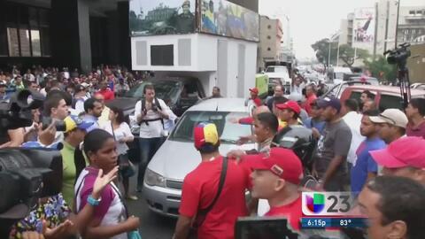 Se enfrentan chavistas y opositores en calles de Venezuela