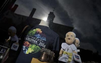 El merchandising de la visita papal