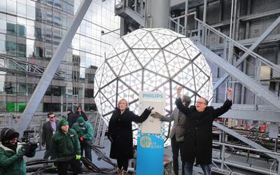 La bola de cristal más famosa del mundo está lista para recibir el 2017...
