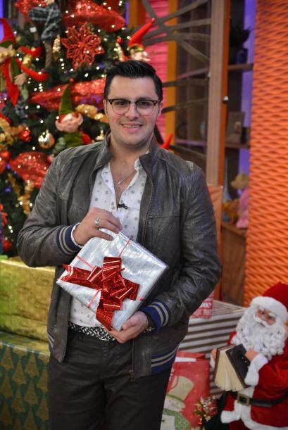 Paul ya se prepara para recibir la navidad y está más que ansioso por ab...