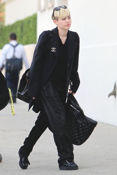 ¡Miley Cyrus es otra famosa que está mejorando su estilo! &...