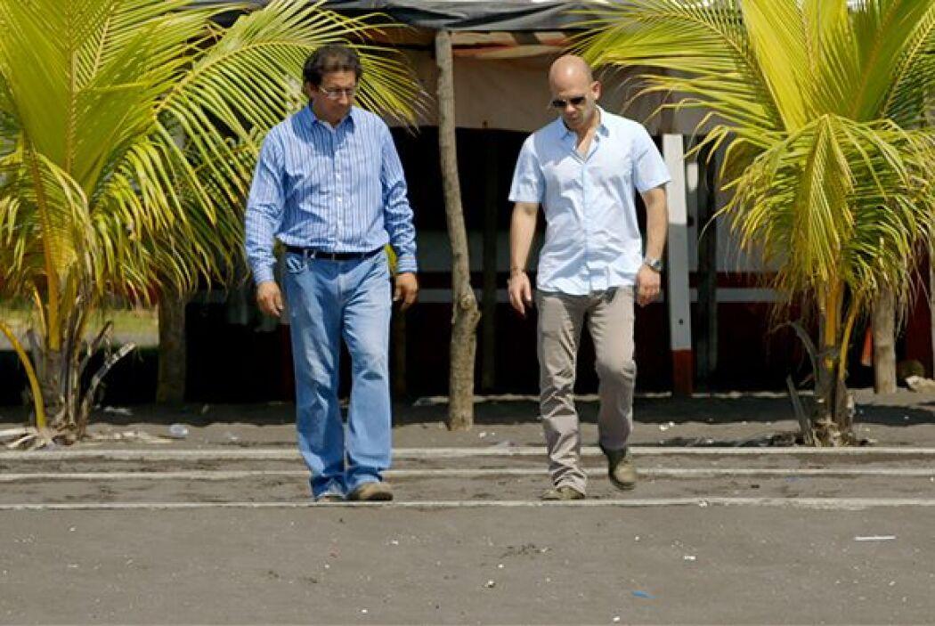 Luego el doctor Rivera conoció a Manuel Ixquiac, biólogo marino y especi...