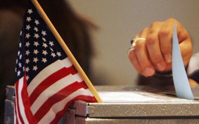 ¿Quién está ganando el voto latino en Estados Unidos?
