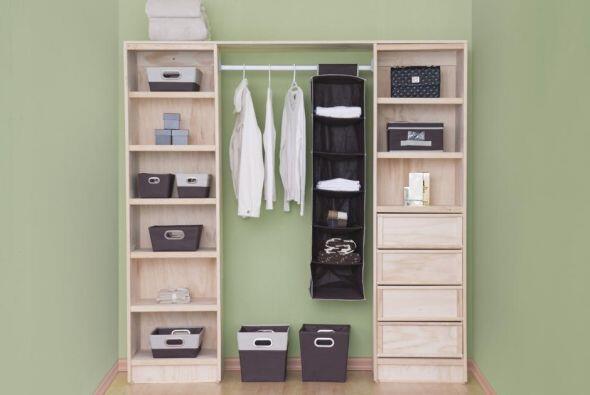Para que tengas más espacio saca lo que ya no usas, dona la ropa...
