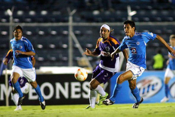 Un año después en el 2007 Roberto Juárez debutar&ia...