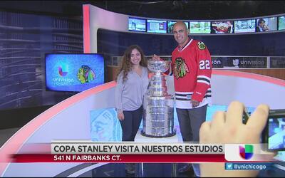 Copa Stanley visita Univision Chicago