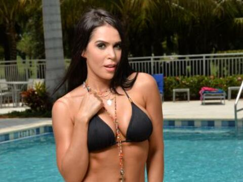 Natali Ortiz es una guapa modelo y actriz profesional que quiere convert...