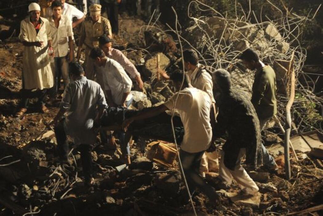 Las víctimas son obreros y familiares que vivían en el lugar de la obra,...