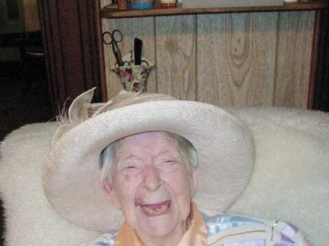 La estadounidense Eunice Sanborn se convirtió en la mujer m&aacut...
