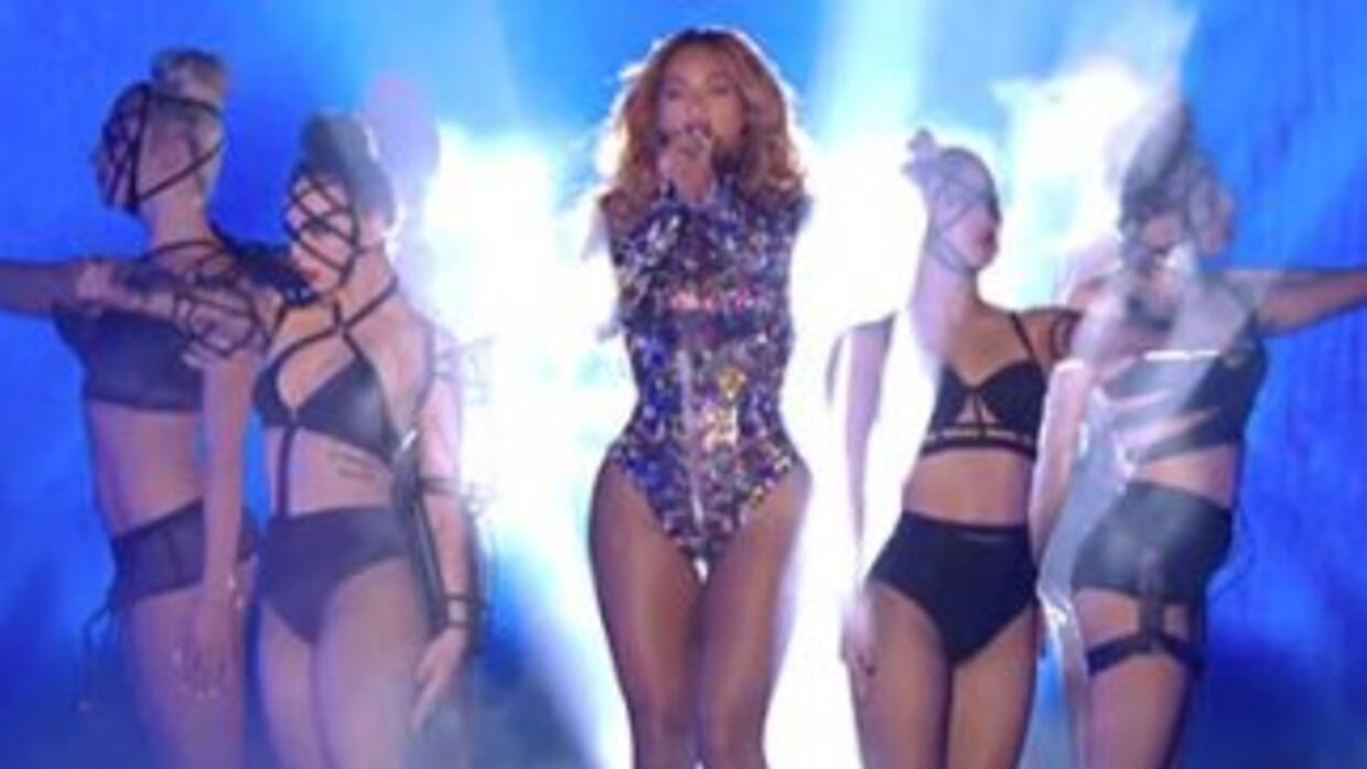 Beyonce VMA Performance