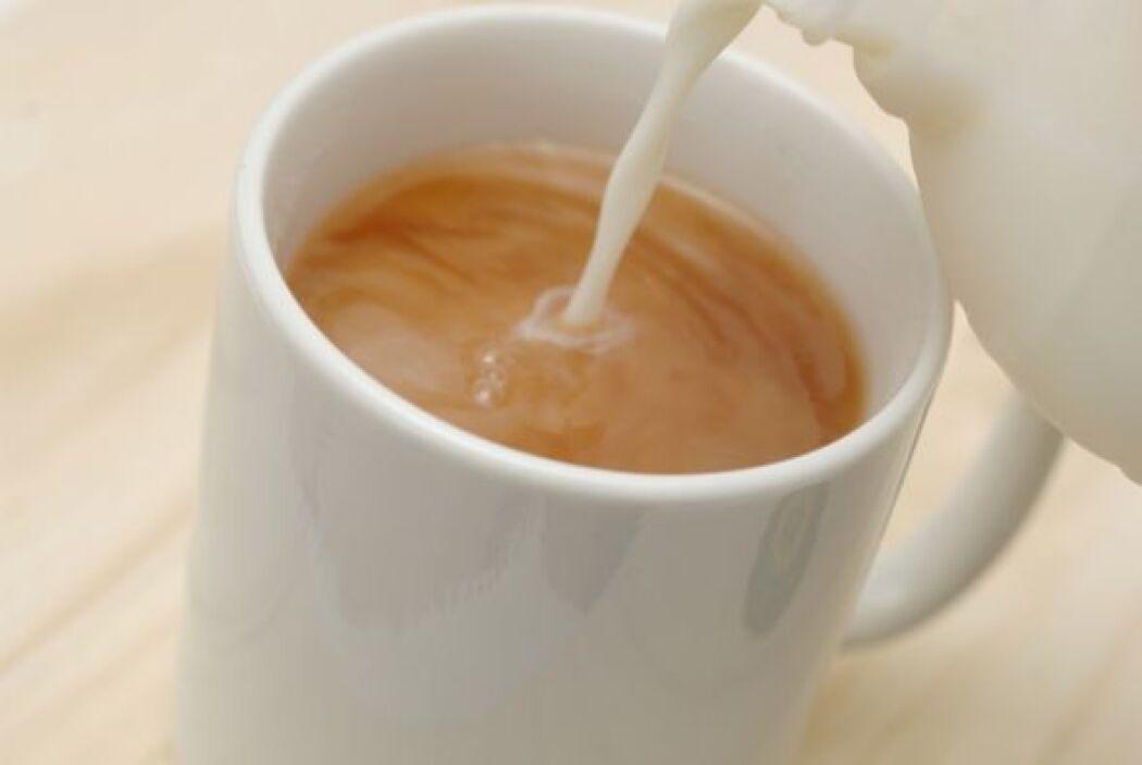 Café con un poco de leche o crema Es muy sencillo prepararlo, lo puedes...