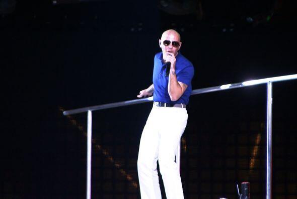 Aquí Pitbull en los ensayos.