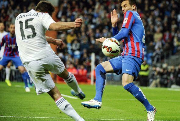 .Para la segunda parte Real Madrid siguió dominando el encuentro,...