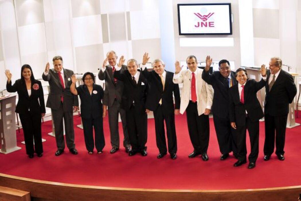 Perú está por elegir a su presidente el próximo 10 de abril. Cinco candi...