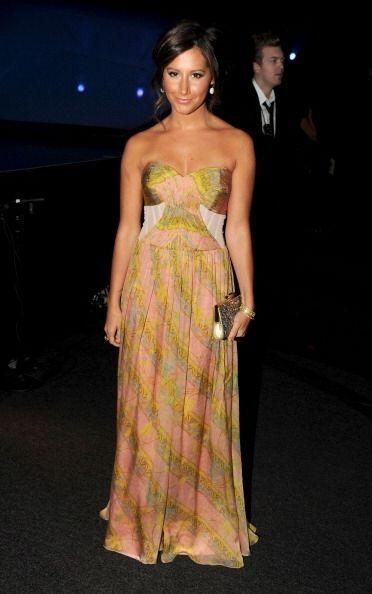 Ashley Tisdale dejó de se rubia en los People's Choice Awards de...