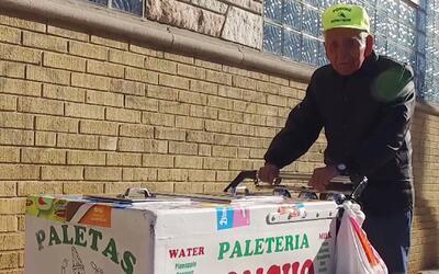 Qué Mundo tan Chiqui: Conocimos al abuelo paletero que se hizo viral en...
