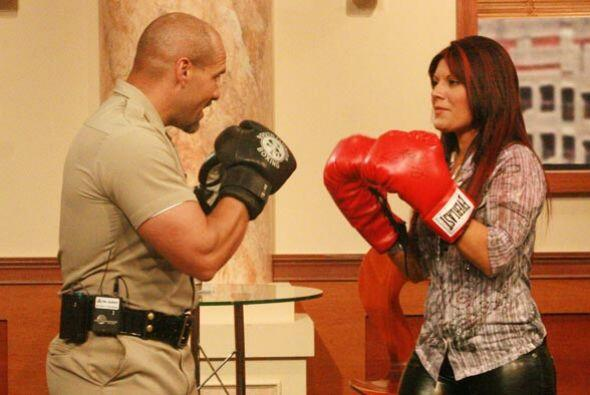 Los dos boxeadores se preparan para combatir una vez más.