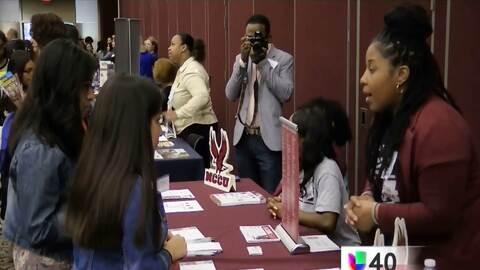 Más de 800 alumnos acuden a la Cumbre Educativa en Raleigh