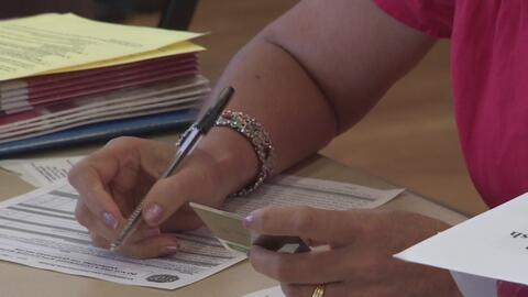 Inmigrantes en Irving y Fort Worth podrán llenar gratuitamente las forma...