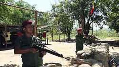 Militares venezolanos listos para enfrentar posible agresión de Colombia...