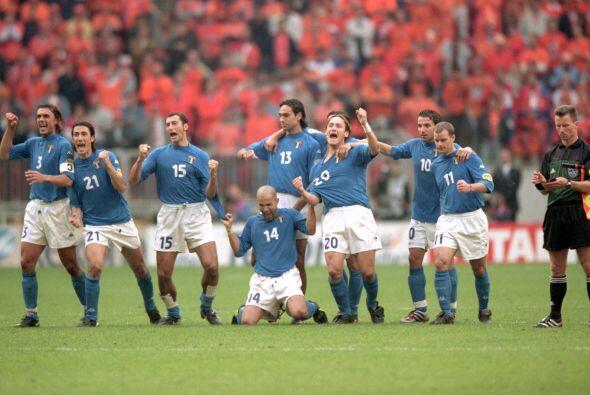 A pesar del penal errado, los italinos terminaron festejando.