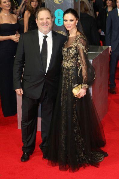 Georgina Chapman llevó un diseño de tul negro y dorado de la prestigiada...
