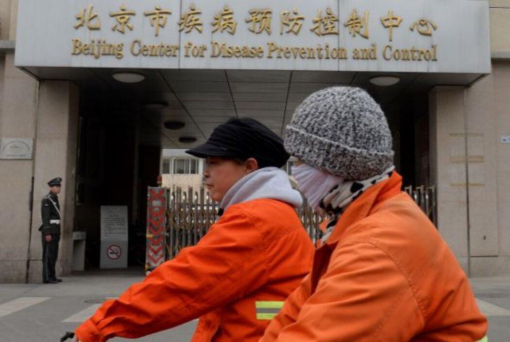 Los centros médicos que supervisa Wu fueron dotados ayer de compuestos r...