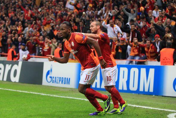 Con goles de Didier Drogba, Wesley Sneijder y uno más de Felipe Melo, lo...