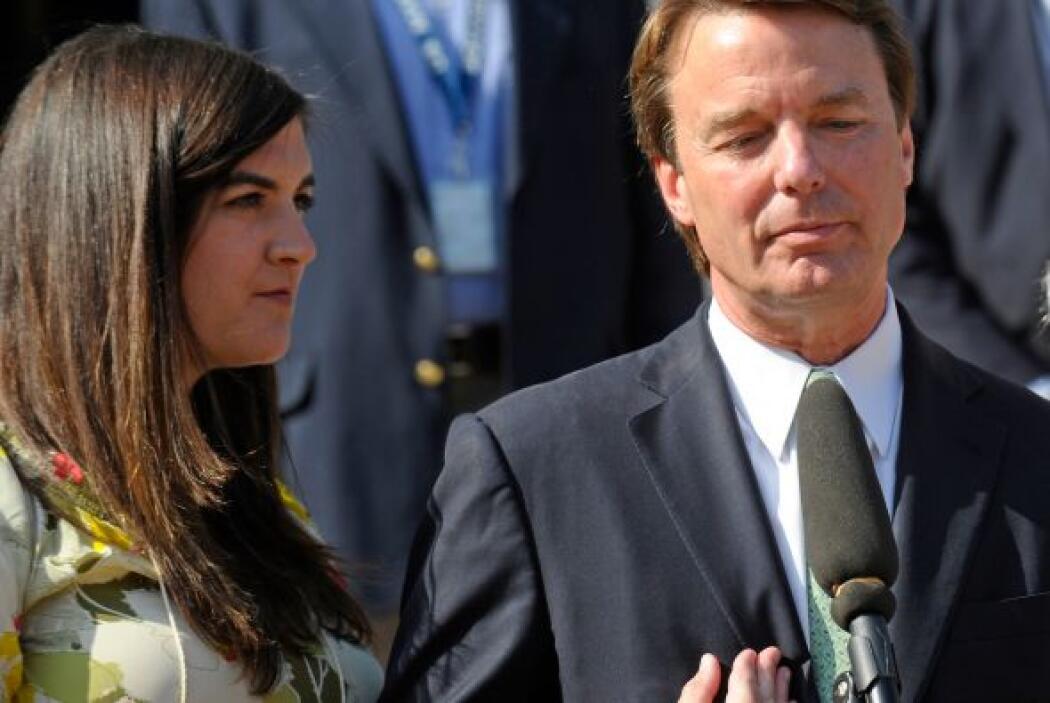 Otro caso es el de John Edwards, quien tuvo una de las caídas más estrep...