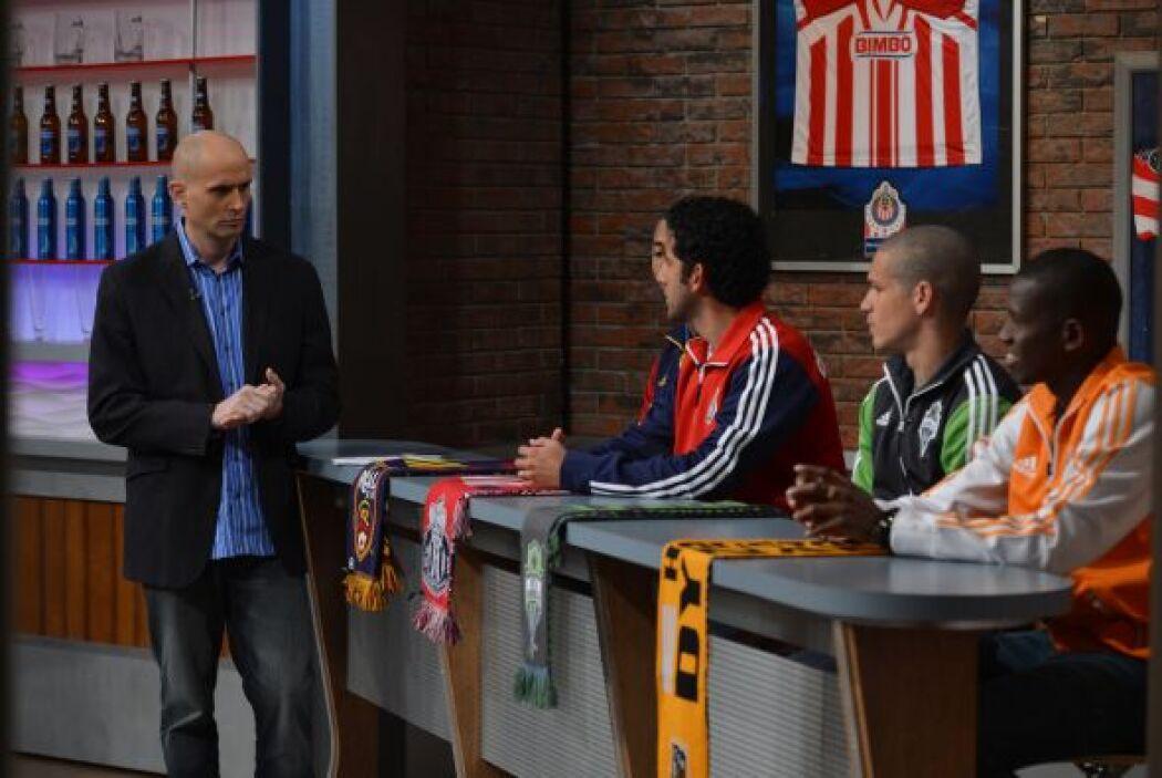 Los destacados futbolistas estuvieron con el Conde K dándonos un aperiti...