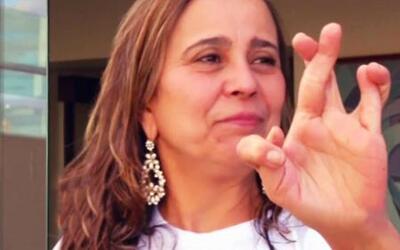 No estas viendo mal, esta familia brasilera tiene seis dedos en cada man...