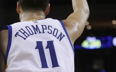 El 5 de diciembre del 2016 Klay Thompson de los Golden State Warriors an...