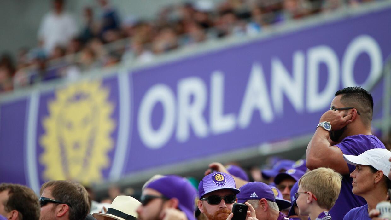 Fans de Orlando City previo al inicio de un partido en el Citrus Bowl